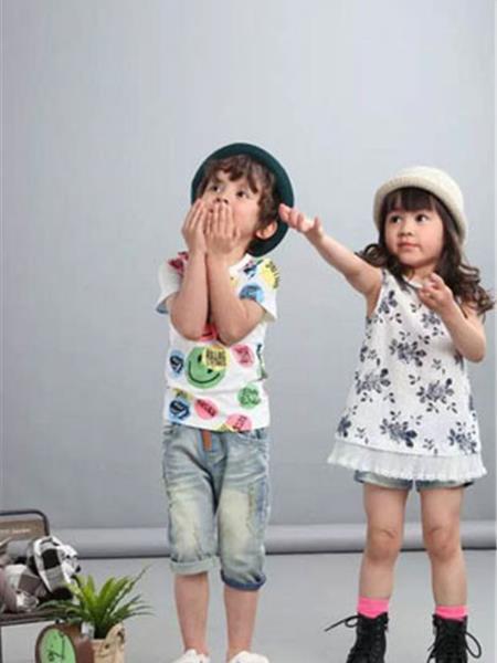 田果果童装产品图片