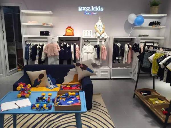 gxgkids童装店铺展示