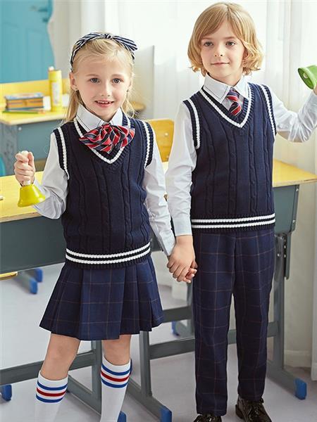 爱戴琳童装产品图片